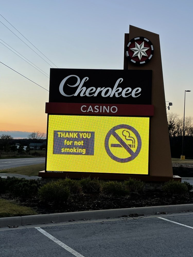 Cherokee Casino Grove: 24979 US-59, Grove, OK