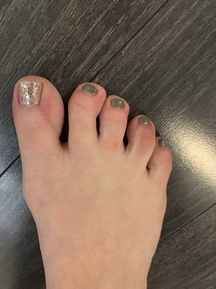 Unique Nails: 4313 Walnut St, McKeesport, PA