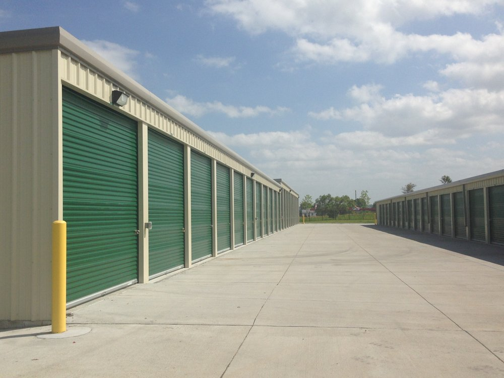 LockBox Storage - Bennington: 12616 N 156th St, Bennington, NE