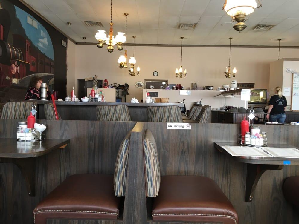 Petticoat Junction: 2400 W Monroe Rd, Alma, MI