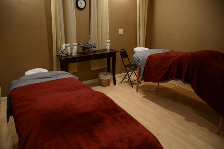 The Essential Day Spa & Salon: 1307 Johnson Blvd, Murray, KY