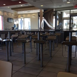 Mcdonald s fast food 3882 boul saint charles for Salle a manger yelp