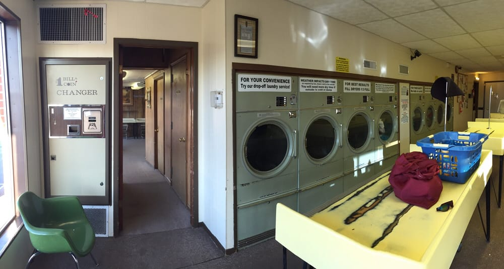 Brun's Coin Laundry & Dry Cleaning: 349 W 3rd St, Chadron, NE