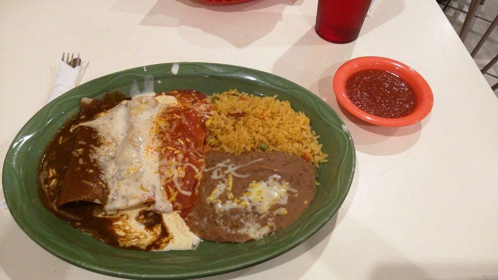 Fiesta Mexicana Mexican Restaurant: 127 N Main St, El Dorado, KS