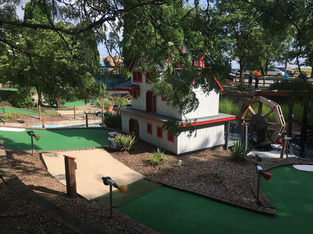Ozzy's Family Fun Center: 5411 Pottsville Pike, Leesport, PA