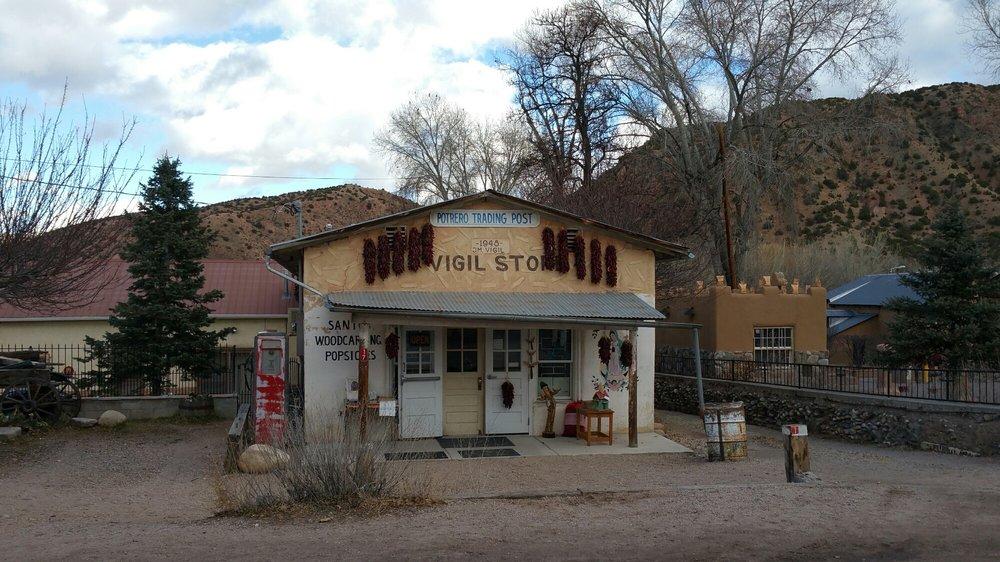 El Potrero Trading Post: 17 Santuario Dr, Chimayo, NM