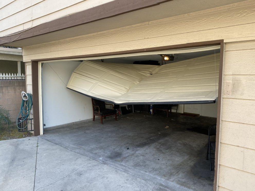 Pro-Line Garage Door: Downey, CA