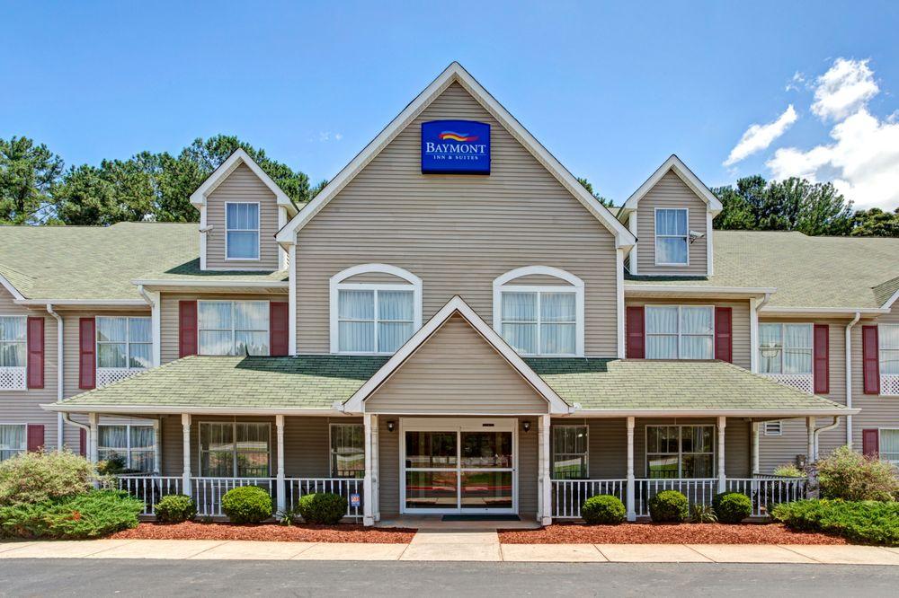 Baymont by Wyndham Kennesaw: 3192 Barrett Lakes Blvd., I-75 Exit 271, Kennesaw, GA