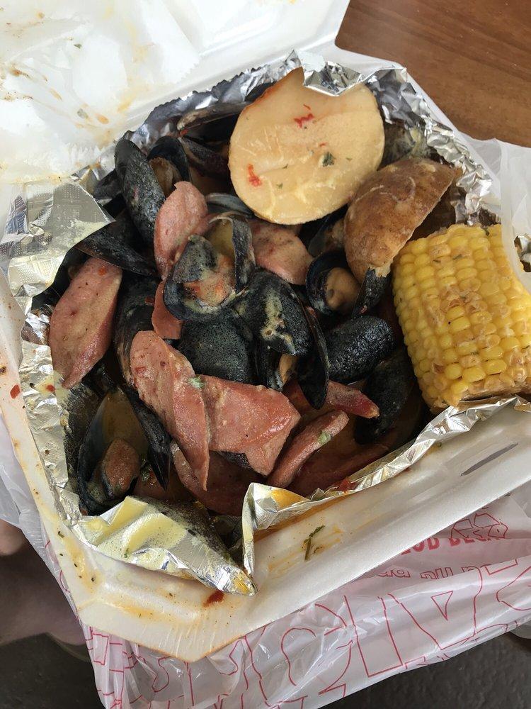Lorene's Fish & Crab House: 929 22nd St S, Saint Petersburg, FL