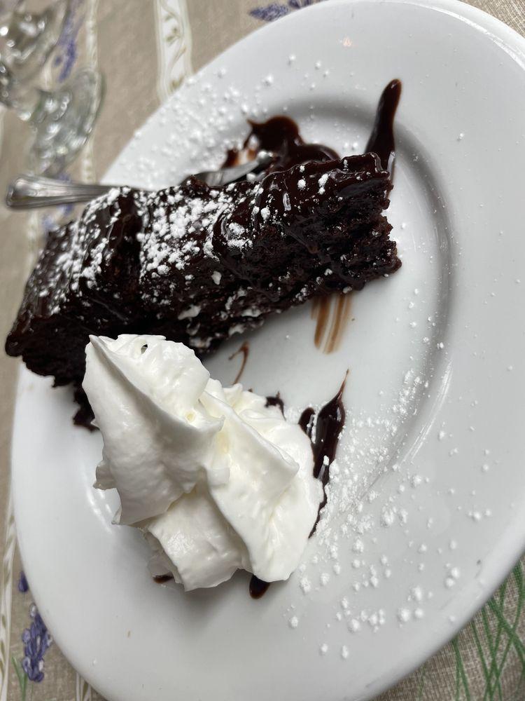 Elderberry Pond Restaurant: 3712 Center St Rd, Auburn, NY