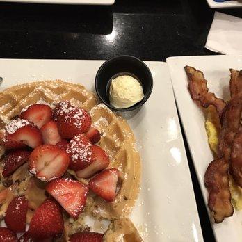 Photo Of Keke S Breakfast Cafe Lakeland Fl United States Strawberry Pecan Waffle