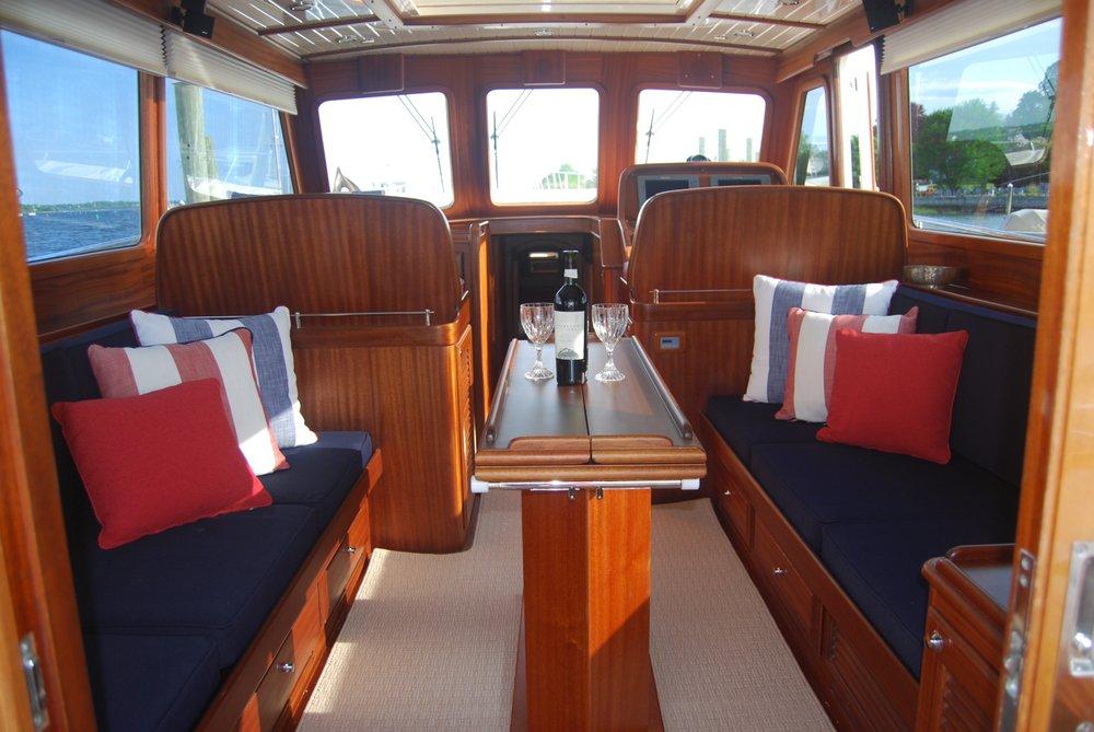 Newport yacht interiors 13 fotos raumausstattung for Innenarchitektur yacht