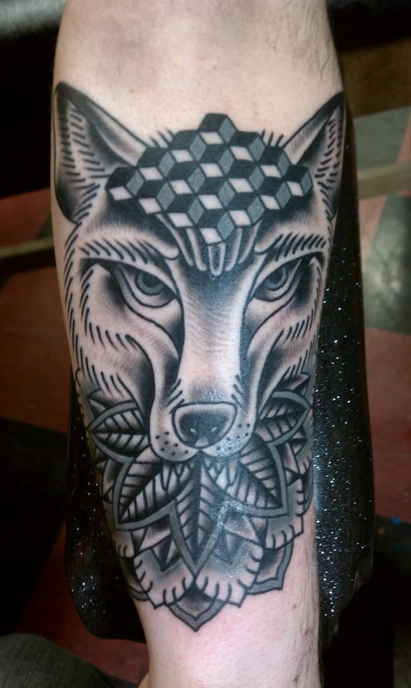 Wolf by lucky monkey tattoo 39 s steve flores yelp for Lucky drive tattoo parlour