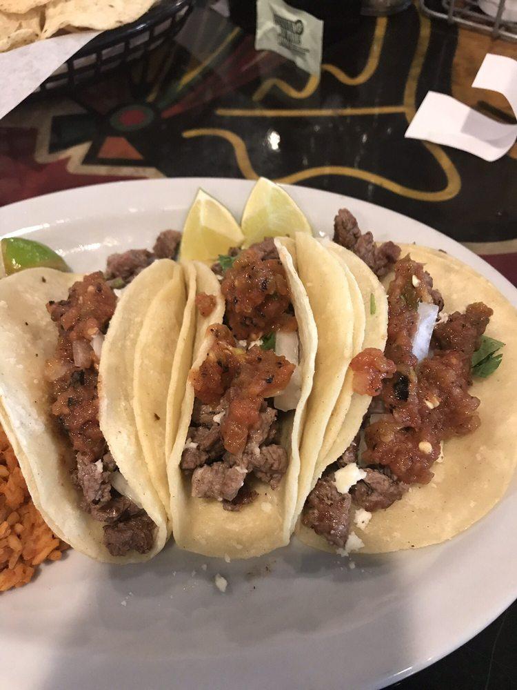 No Worries Sports Bar &  Grill: 1300 W Navajo, Farmington, NM