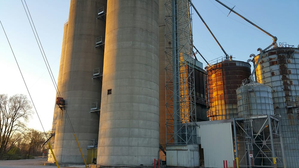 Morristown Grain Co: 120 E Broadway, Morristown, IN