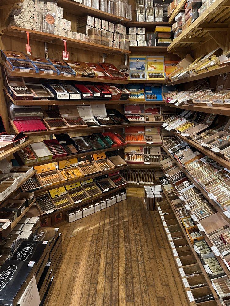 Tobacco Plus Cigar Lounge: 4718 Lincoln Hwy, Matteson, IL