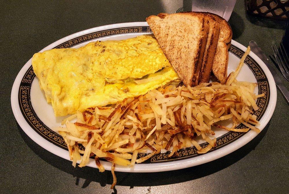 Nutmegs Bakery & Cafe: 367 Main St, Lansing, IA