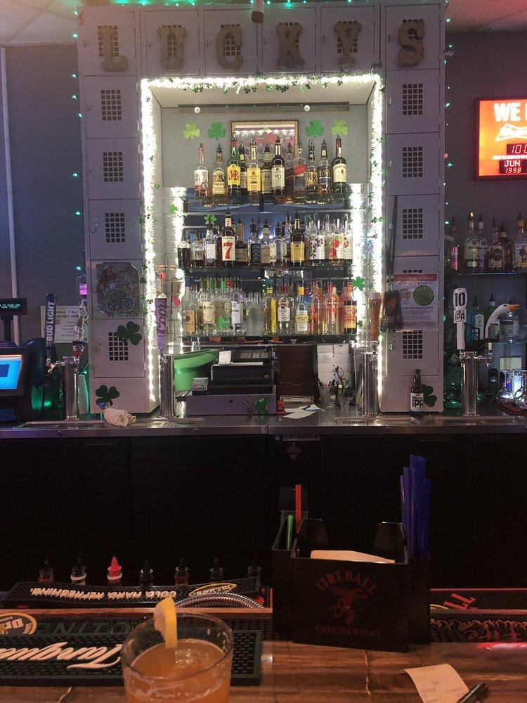Lucky's Pub: 4572 Commercial St SE, Salem, OR