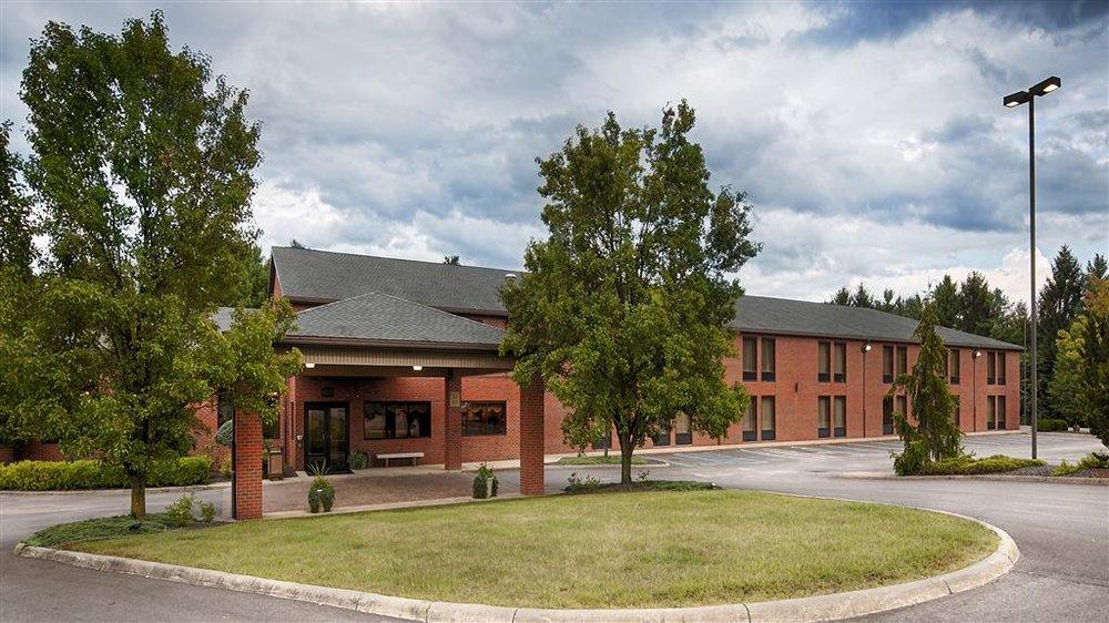 Best Western Caldwell Inn: 44128 Fairground Rd, Caldwell, OH