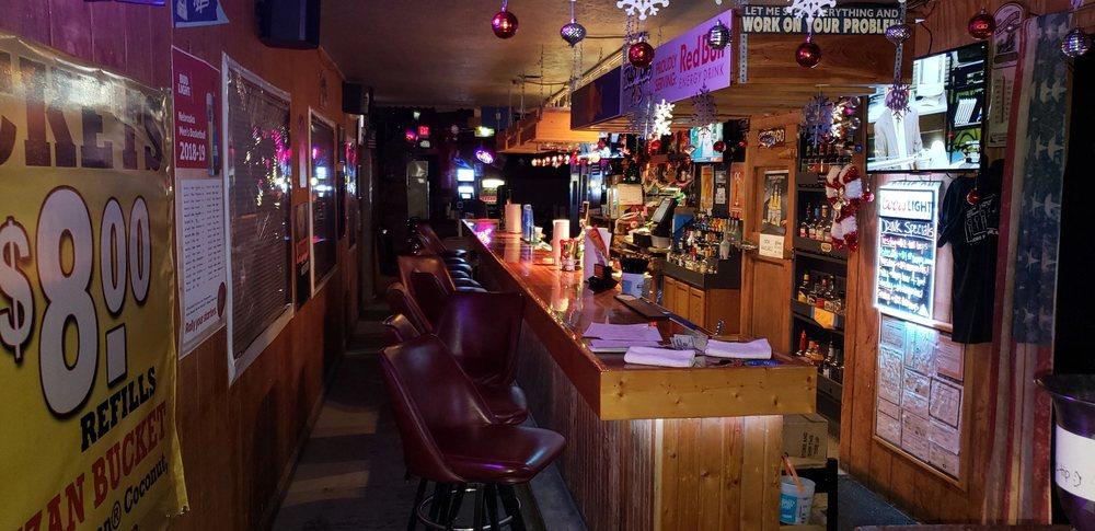 Sprague Traditions Pub: 1440 W 2nd St, Sprague, NE