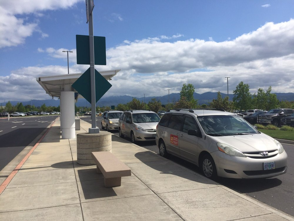Cascade Airport Shuttle Ashland Taxicab & Delivery: Ashland, OR