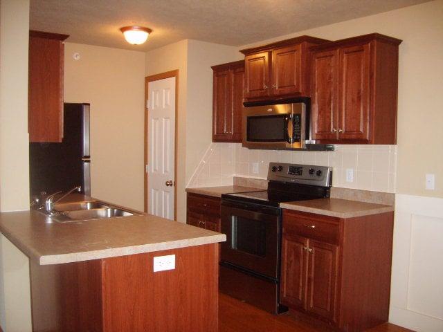 Weaver Creek Apartments: 5100 S Main Ave, Springfield, MO