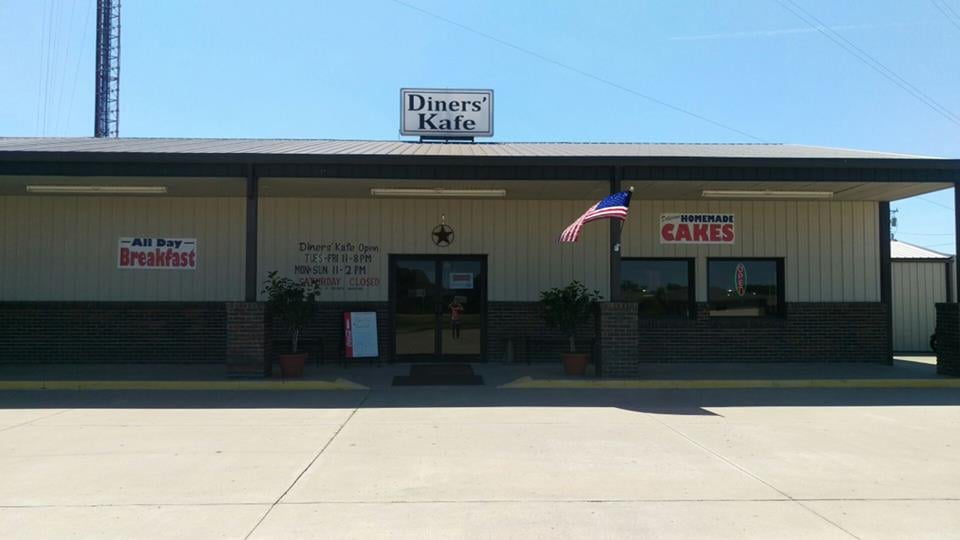 Diners' Kafe: 1020 N 2nd St, Burlington, KS