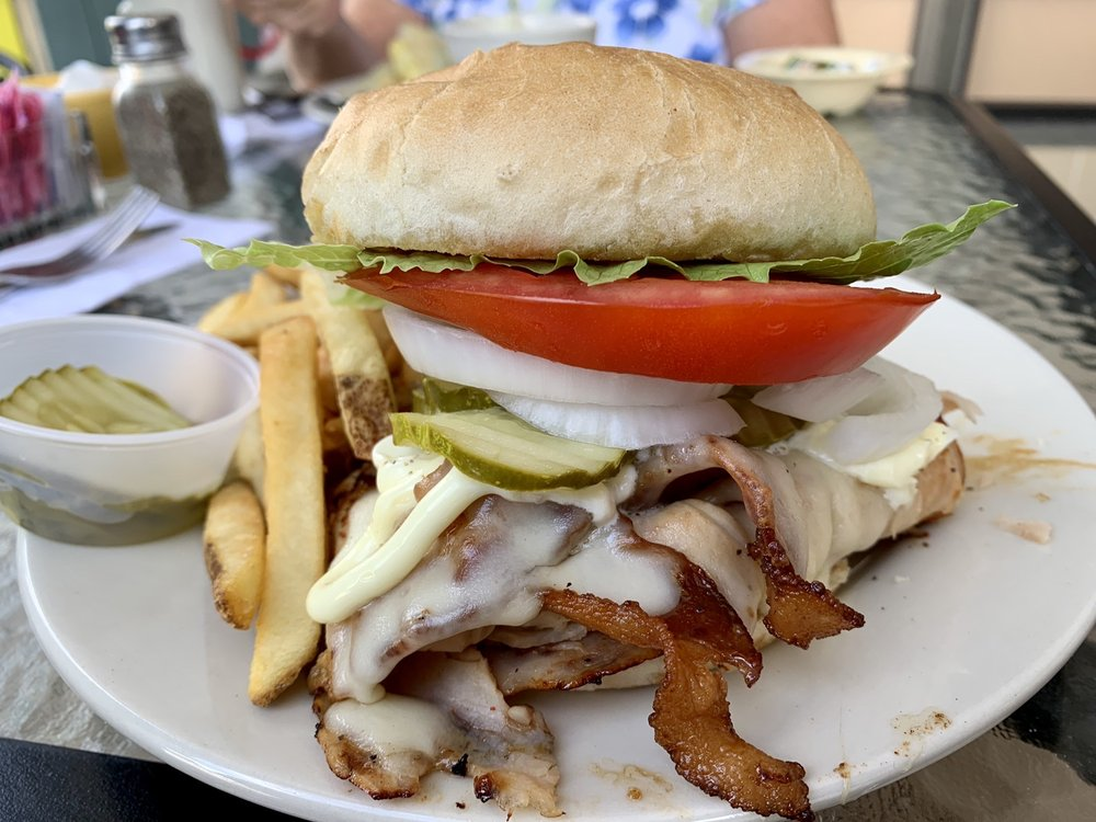 Hen House Eatery: 11632 Us Hwy 1, Sebastian, FL