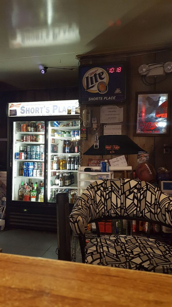 Short's Place: 507 Sherman St, Menlo, IA