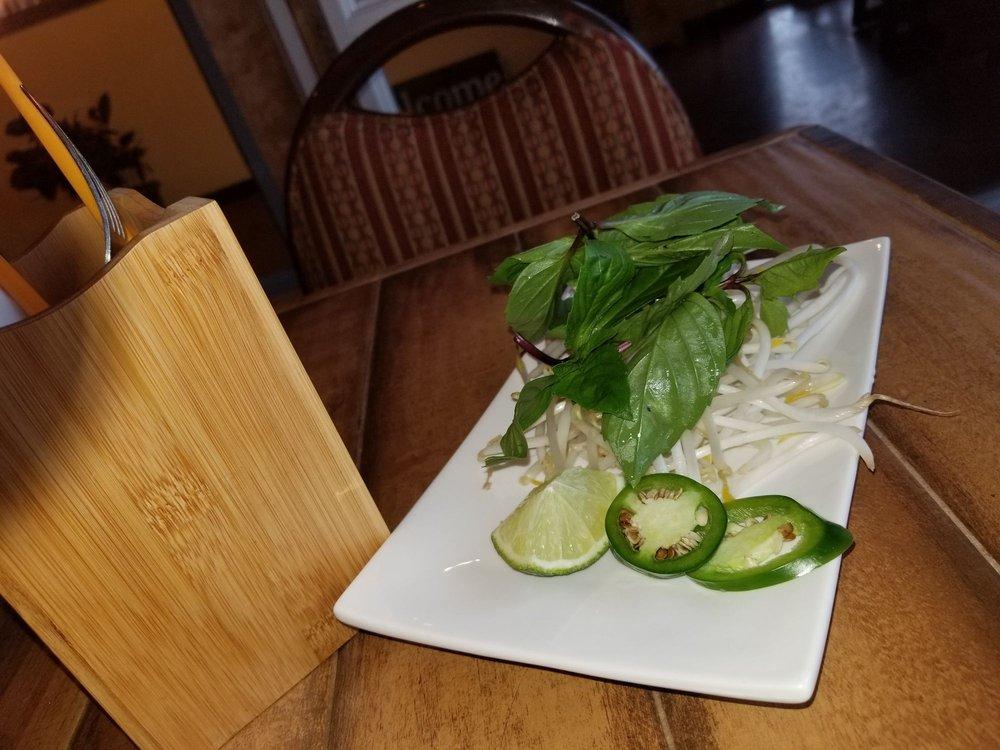 Pho Vietnamese Restaurant: 316 N Main Ave, Gresham, OR
