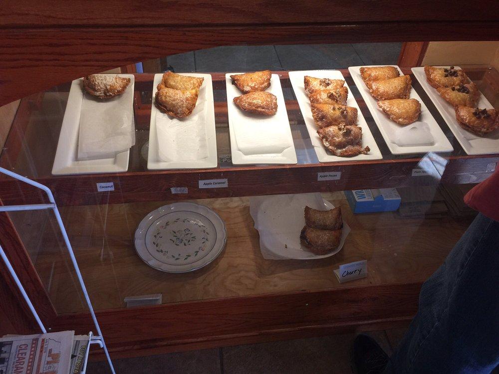 Tess's Kitchen Cafe: 1553 US 41, Pelham, TN