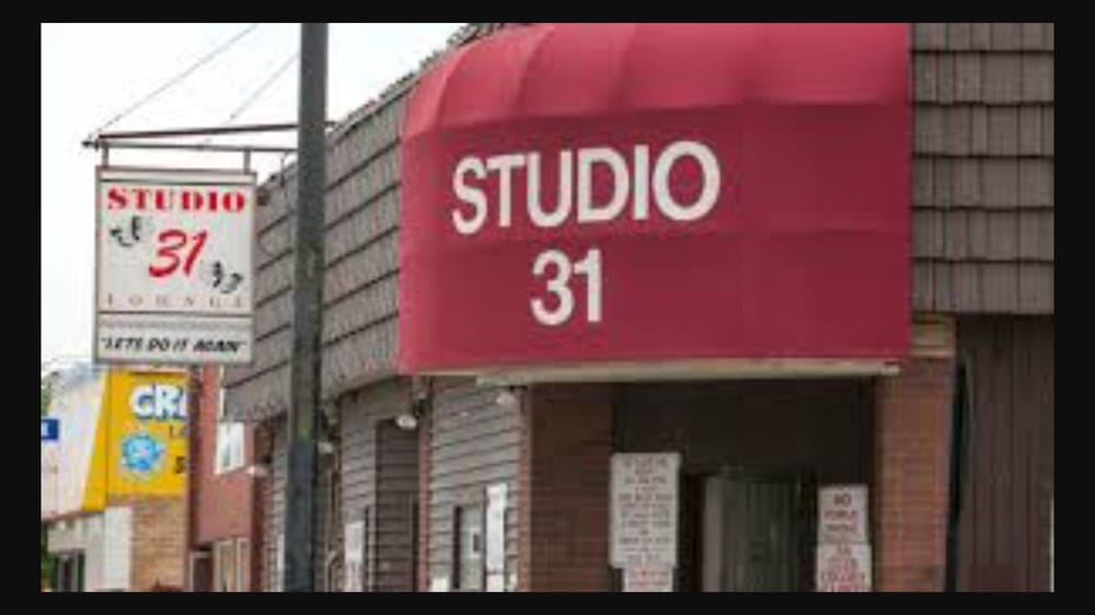 Tonyo's Studio 31 Lounge: 5147 S Archer Ave, Chicago, IL