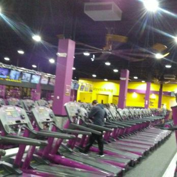planet fitness hauppauge ny 17 reviews gyms 240