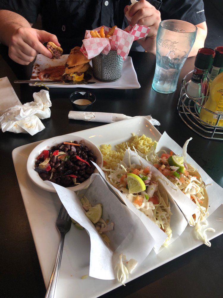 East Coast Food Pub & Grill: 426 Walker St, Orland, CA