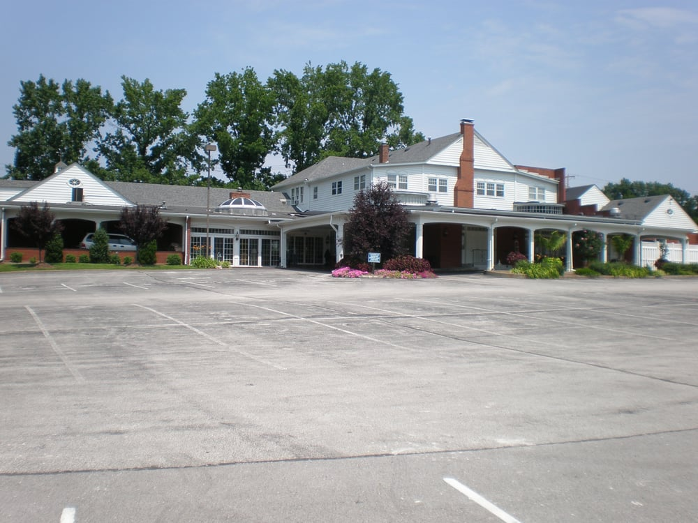 Schrader Funeral Home: 14960 Manchester Rd, Ballwin, MO