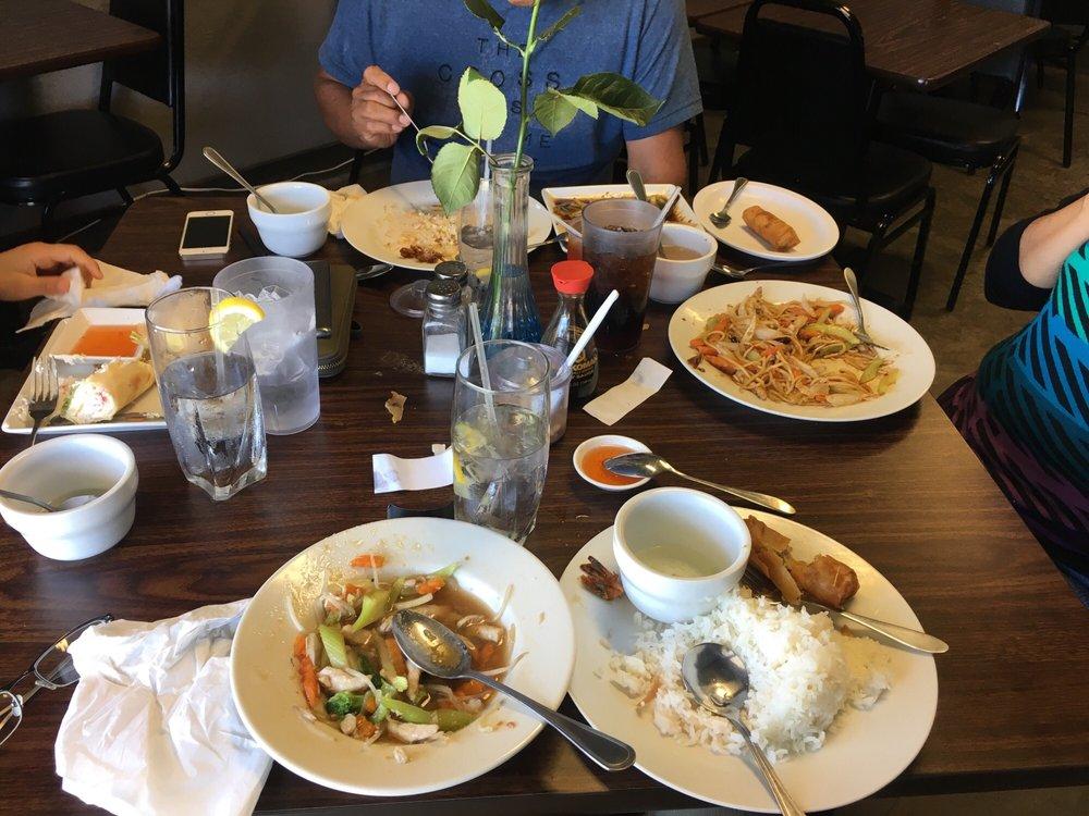 Jinda Cafe: 700 W 2nd St, Clarendon, TX