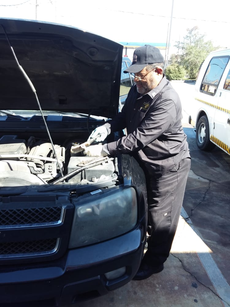Replaced Battery 2008 Chevrolet Trailblazer And Cleaning