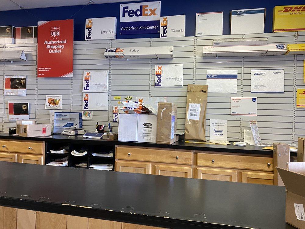 Mail Room Etc: 1200 Market St, Lemoyne, PA