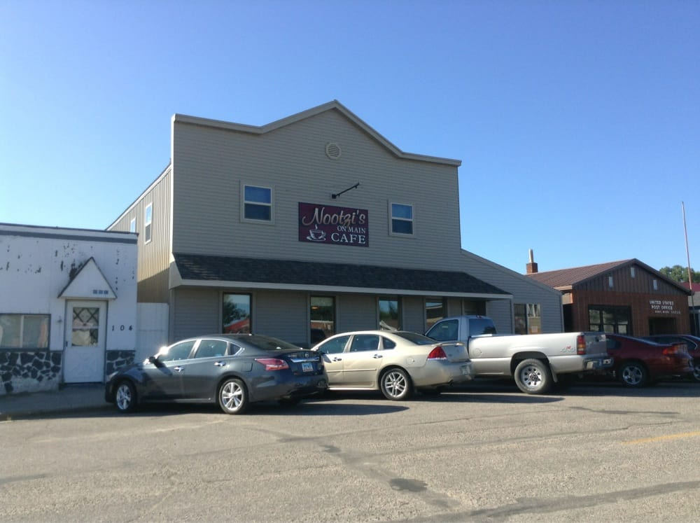 Nootzi's On Main: 106 Main St, Dent, MN