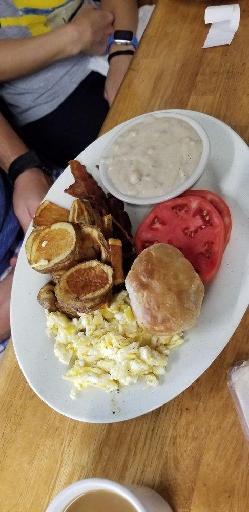 Honey's Restaurant: 109 Market St E, Fayetteville, TN