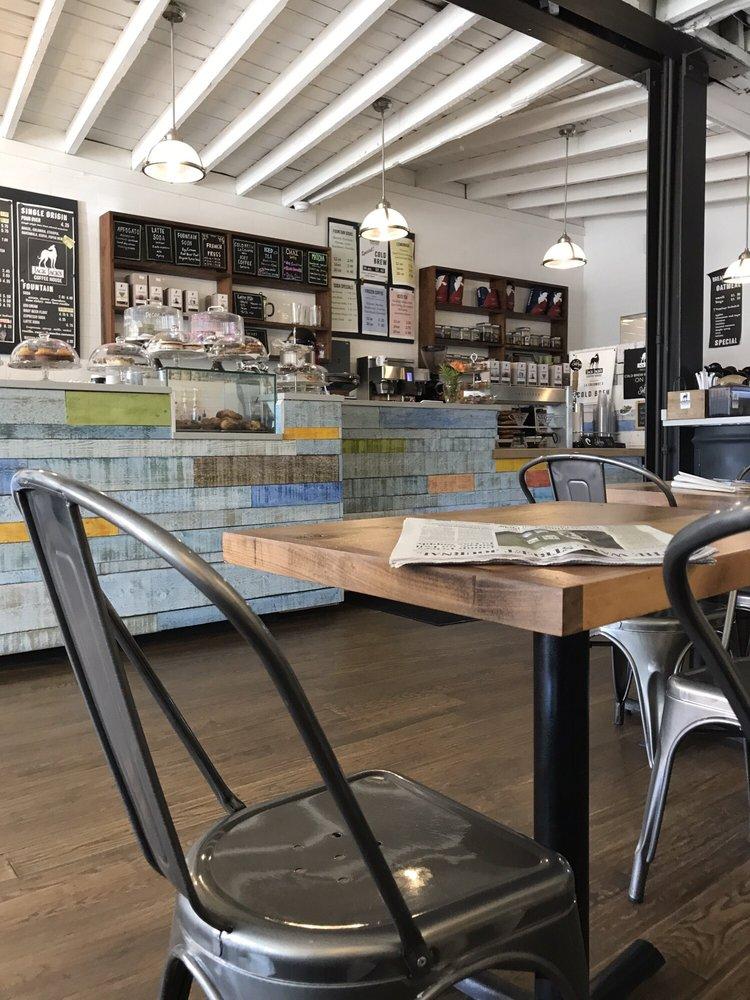 Jack Jack's Coffee House: 223 Deer Park Ave, Babylon, NY