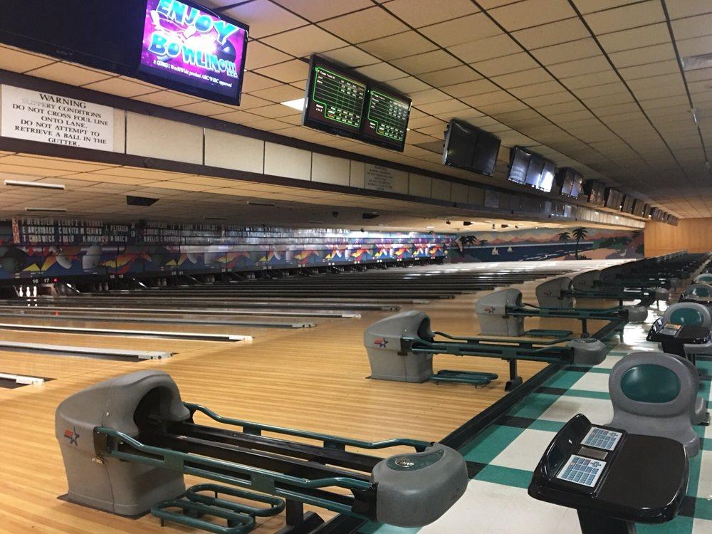 Fishkill Bowl: 110 Rt 82, Fishkill, NY