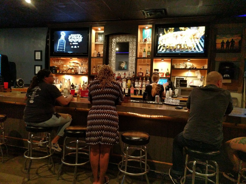 Bar West Martini Lounge: 3631 Walton Way Ext, Augusta, GA