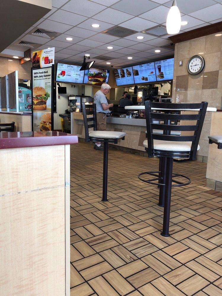 McDonald's: 1202 Buccaneer Dr, Blue Earth, MN