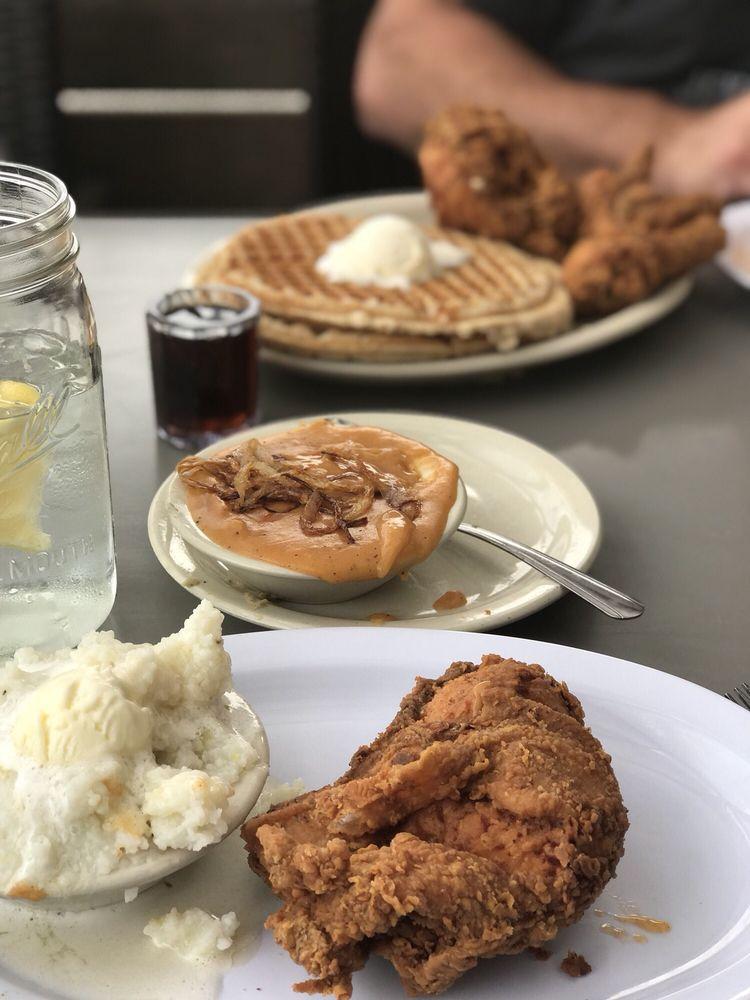 Lo-Lo's Chicken & Waffles: 1220 S Central Ave, Phoenix, AZ