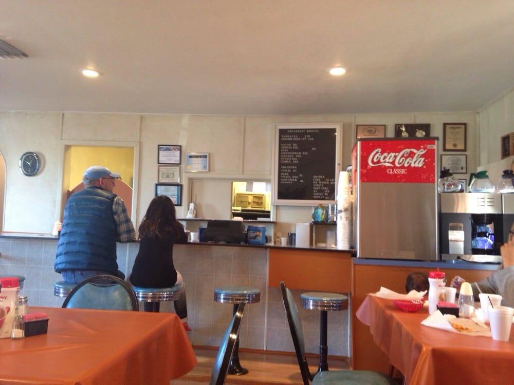 Kuka's Burritos: 924 W American Blvd, Muleshoe, TX