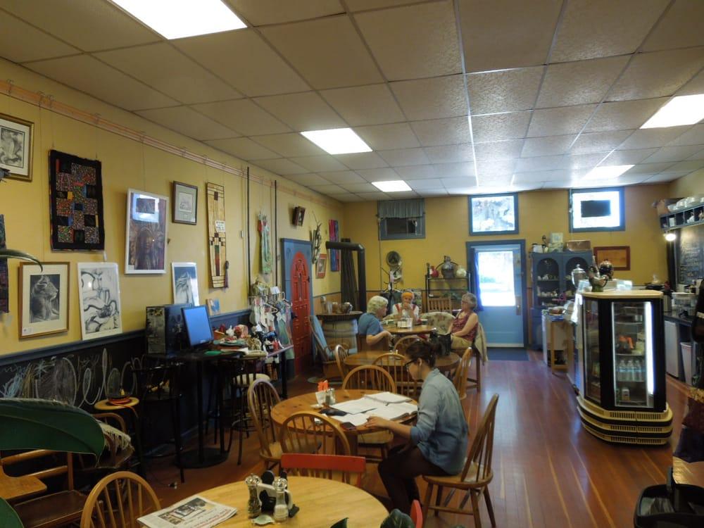 Blue Rooster: 100 W Walnut St, Waterville, WA