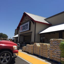 Tractor supply columbia ave