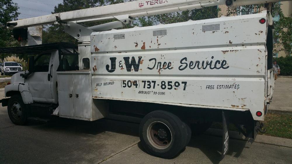 J & W Tree Service