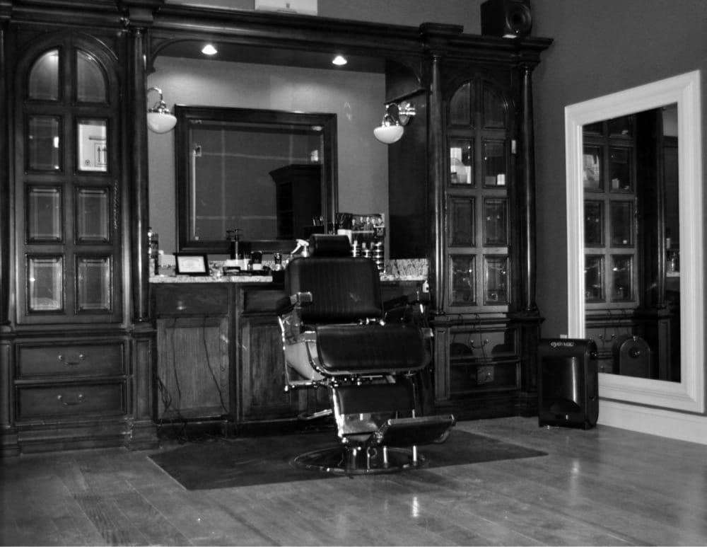 Blue's Crossing Barber Shop: 104 W Main St, Aberdeen, NC